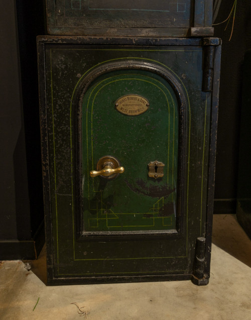 Vintage safe By Thomas Withers e sons manufacturer