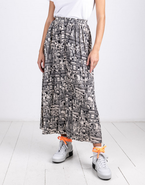 City print black and white skirt