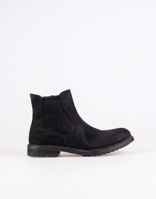 Black boots Chelsea suede