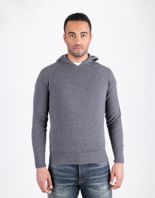 Maglione grigio con cappuccio