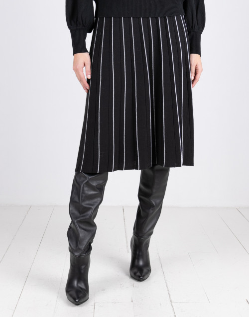 Black pleated wool skirt