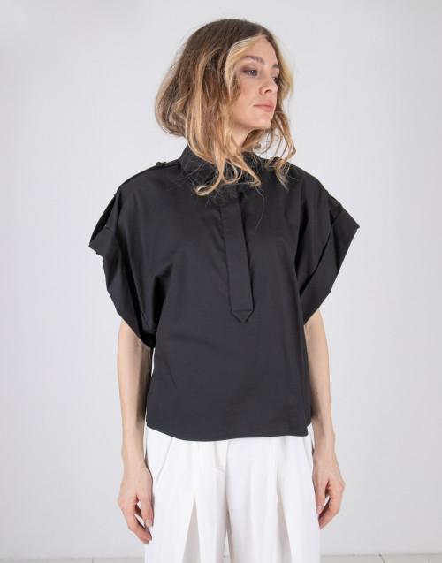 Camicia over nera