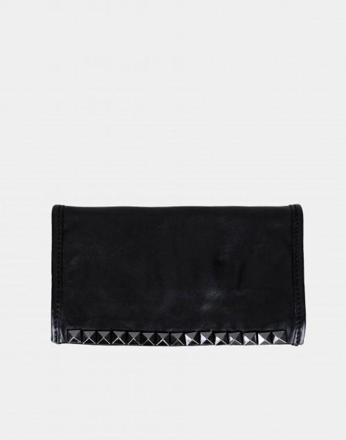 Portafoglio nero in pelle con borchie