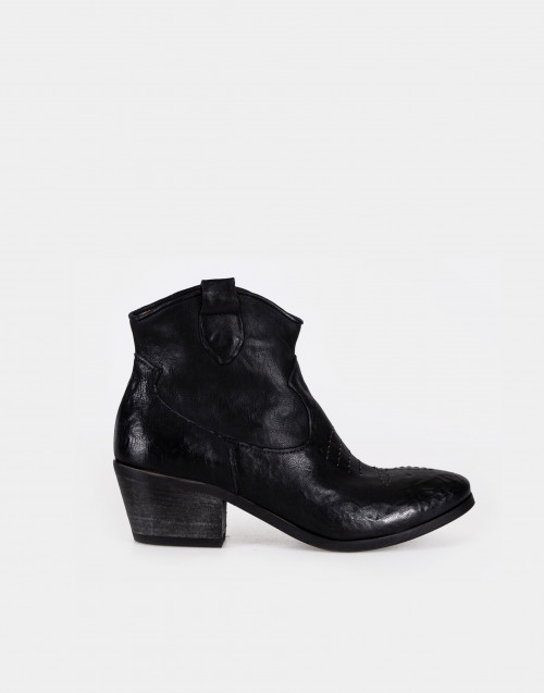 Black texan boot