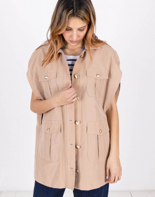 Sleeveless beige oversized cape