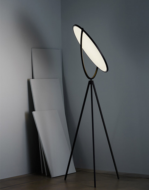 Black Superloon Floor Lamp
