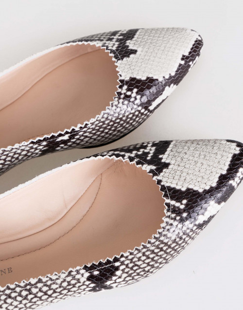 Snake-effect leather ballet flats