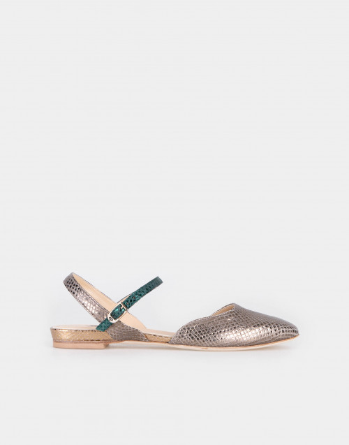 Low laminated snake sandal