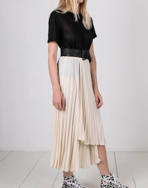 Ivory color pleated skirt