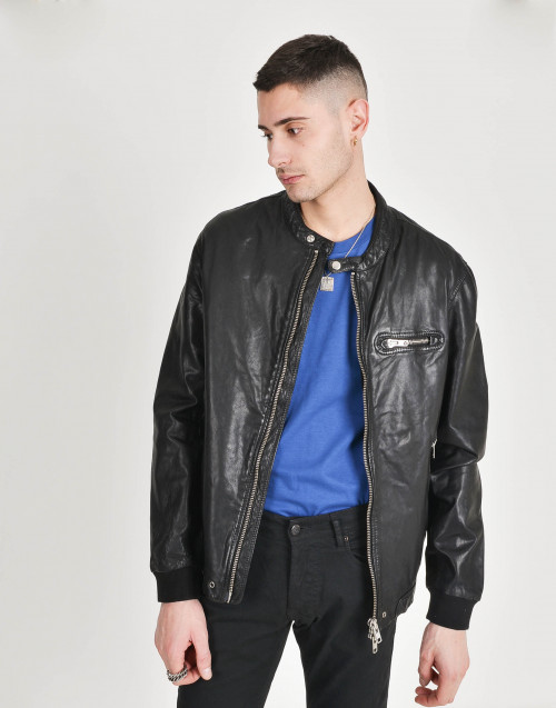 Leather jacket with fabrick cuffs