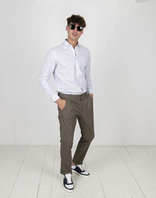 Pantalone chino oliva