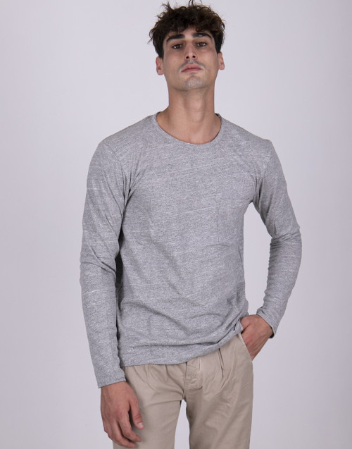 Gray long-sleeved t-shirt