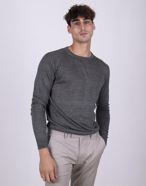 Gray basic linen t-shirt