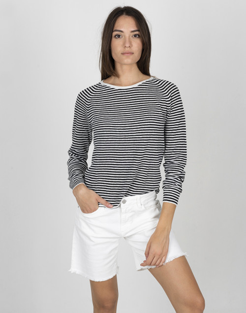Long-sleeved linen t-shirt
