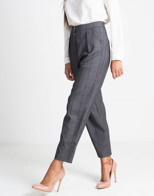 Grey trousers with square red pattern