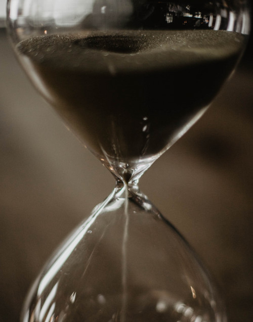 Extra Large hourglass with gold coloured sand