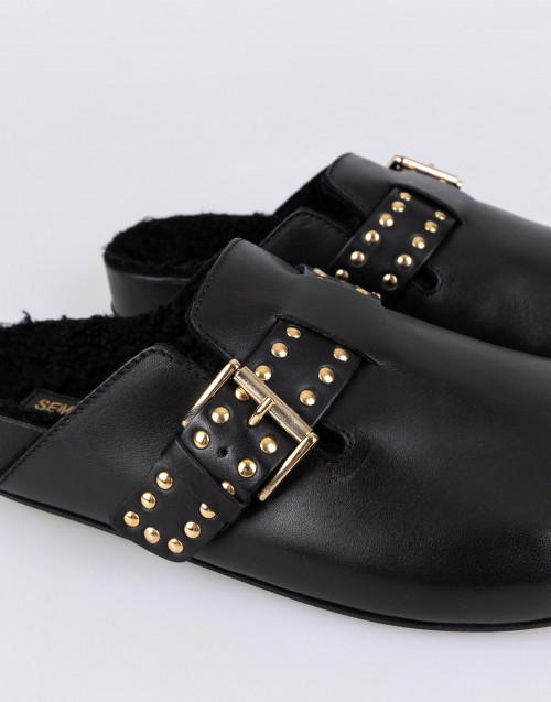 Black leather and wool mules