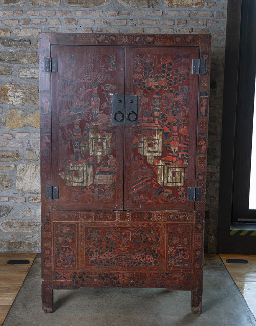 Decorated chinese furniture