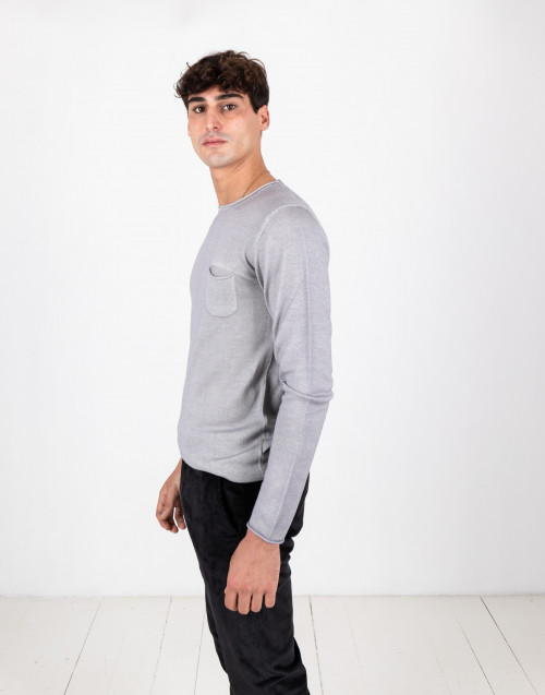 Gray crewneck sweater in merino wool