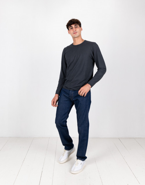 Anthracite coloured long-sleeved t-shirt