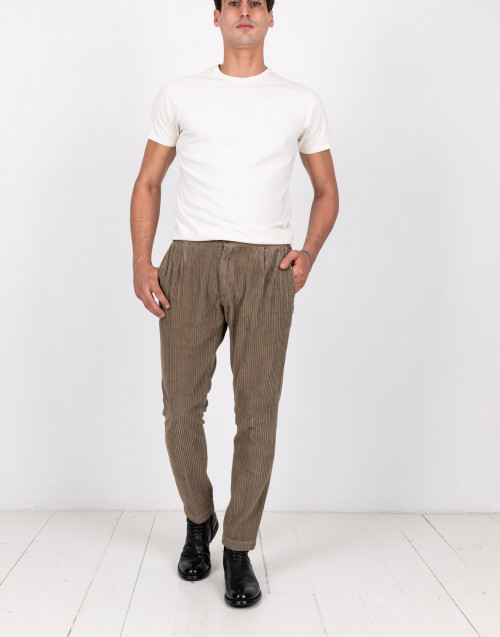 Mud-coloured ribbed trousers