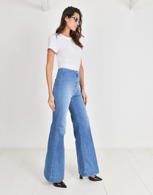 High waisted boot-cut jeans