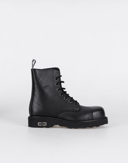 Lace-up combat boots in black leather