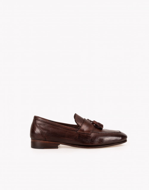 Brown leather tassels loafer