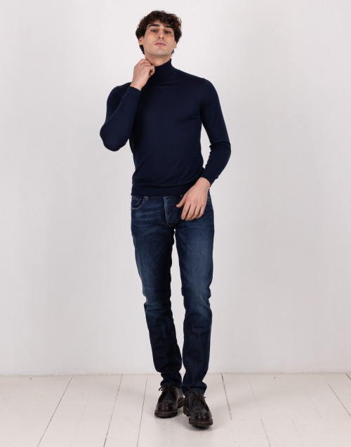Blue wool and silk turtleneck