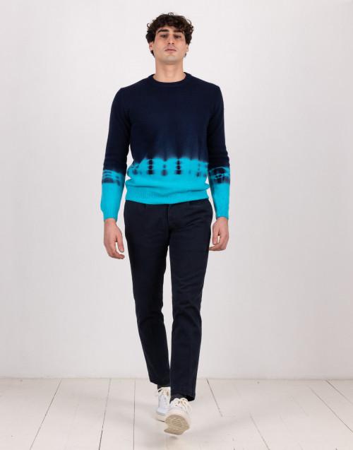 Pantalone chino blu con pence