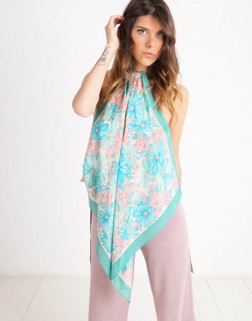 Foulard silk top with flower print