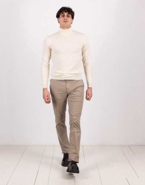Beige cashmere and wool turtleneck