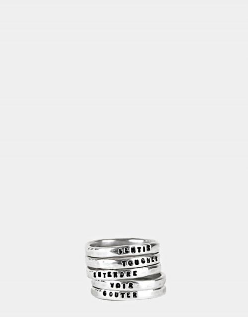 Anello formato da cinque anelli