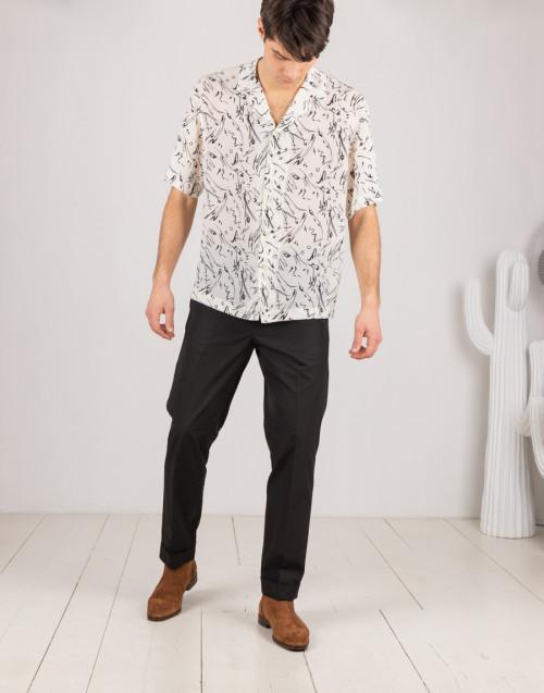 Pantalone nero in cotone con elastico in vita