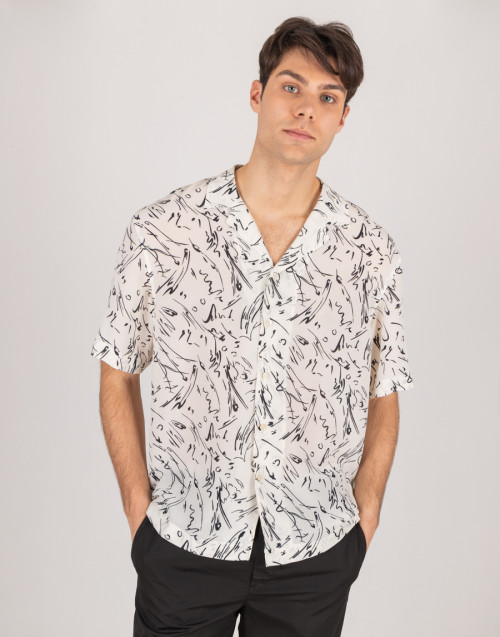 Patterned bowling shirt