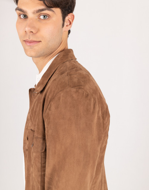 Overshirt in pelle scamosciata color cammello