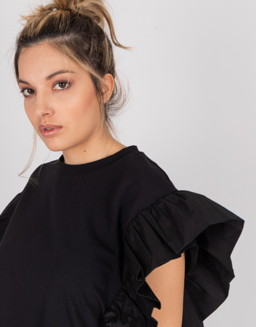 "Black ""Julia"" T-shirt with ruffled sleeves"