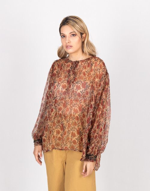 Gardenia blouse with flower pattern