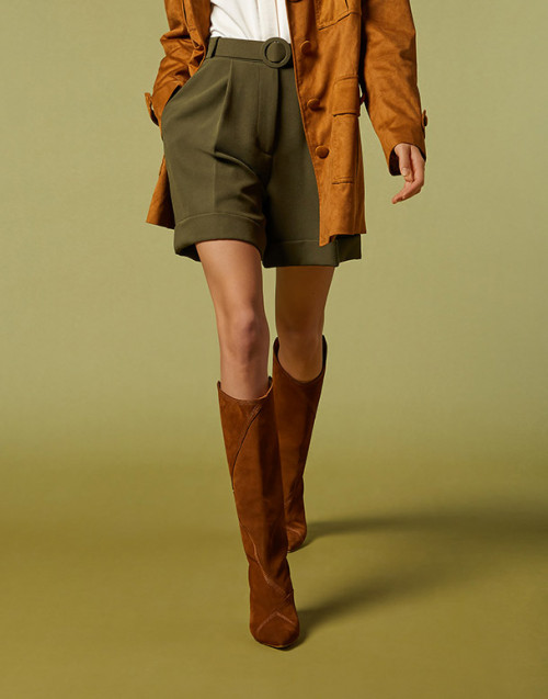 Tan leather boots with heel