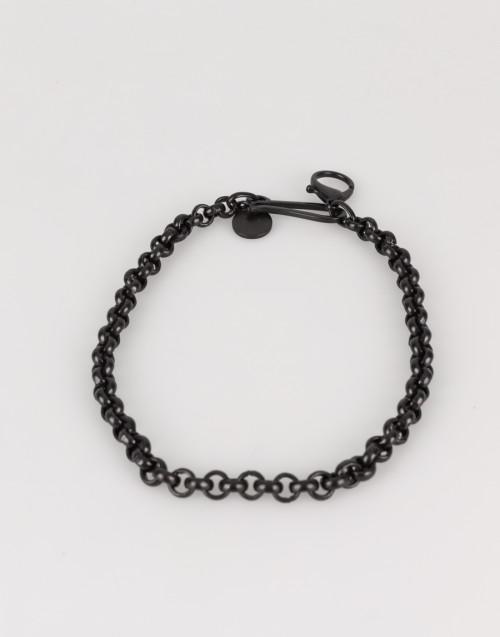 Black chain with pearls