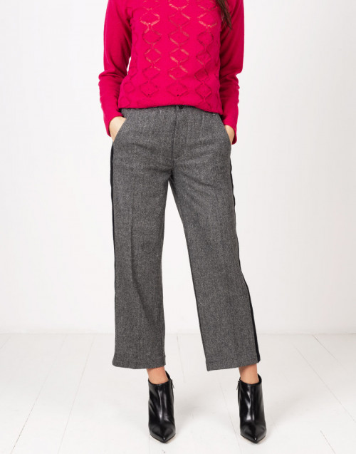 Wool pants with lateral stripe