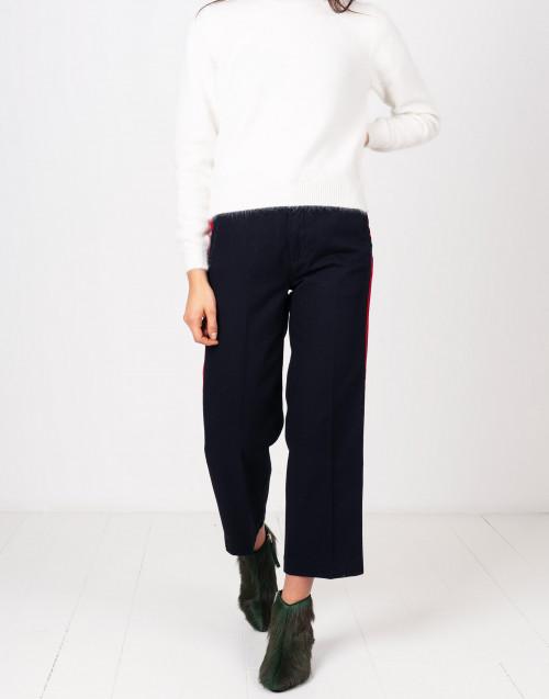 Pantaloni blu con bande rosse