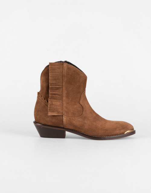 Camel suede Texan ankle boot