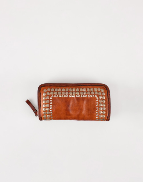 Large camel wallet with rivets