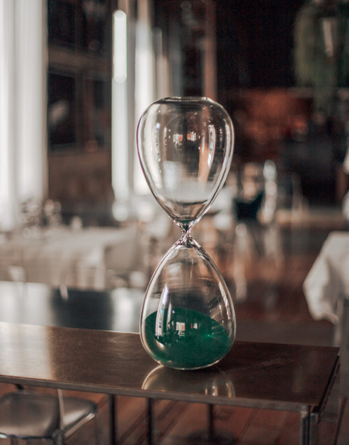 XL hourglass with green sand