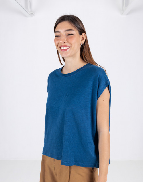 Indigo sleeveless t-shirt