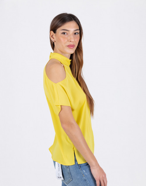 Top giallo asimmetrico