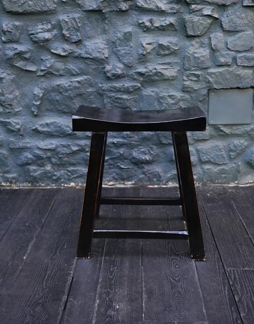 Sedia in legno laccata nera