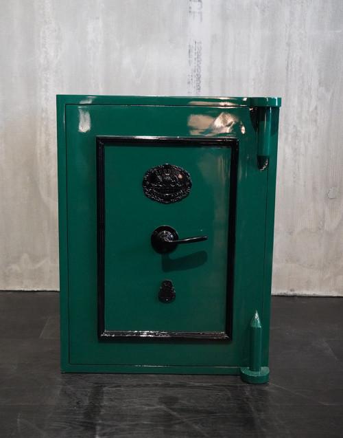 Cassaforte vintage restaurata verde scuro