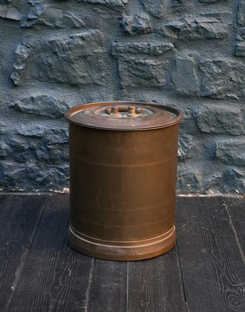 Zinc bin with lid